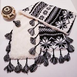 Muk Luks Knit Winter Scarf